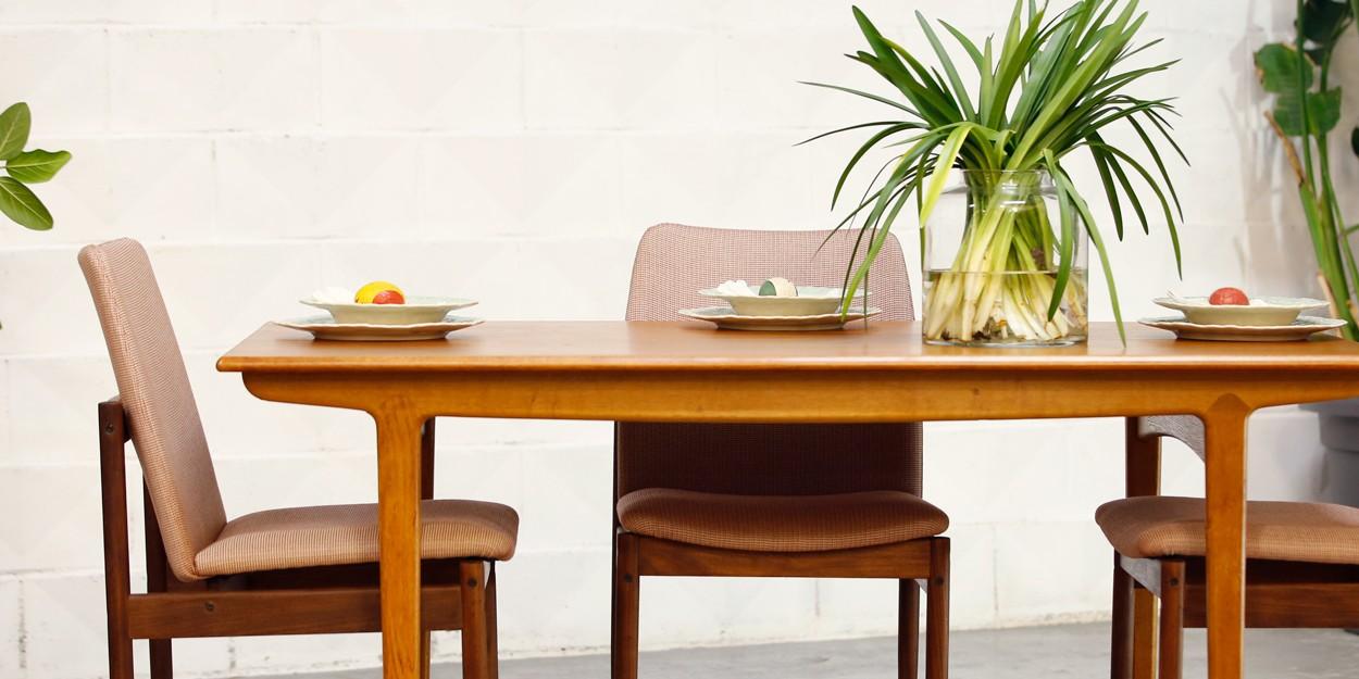 Mesa teca danesa años 60