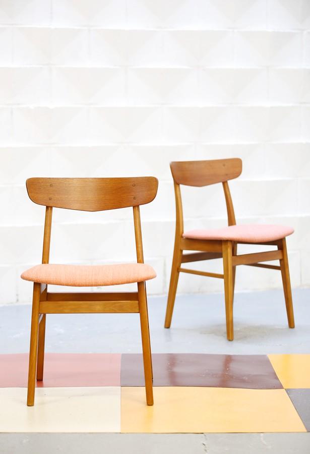 Pareja de sillas años 60