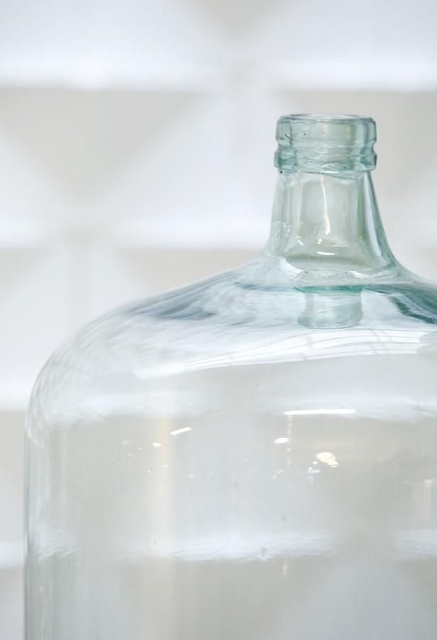Botella de cristal soplado