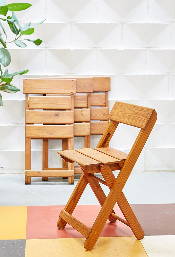 sillas-vintage-madera-pinotea-plegables-lavictoriana