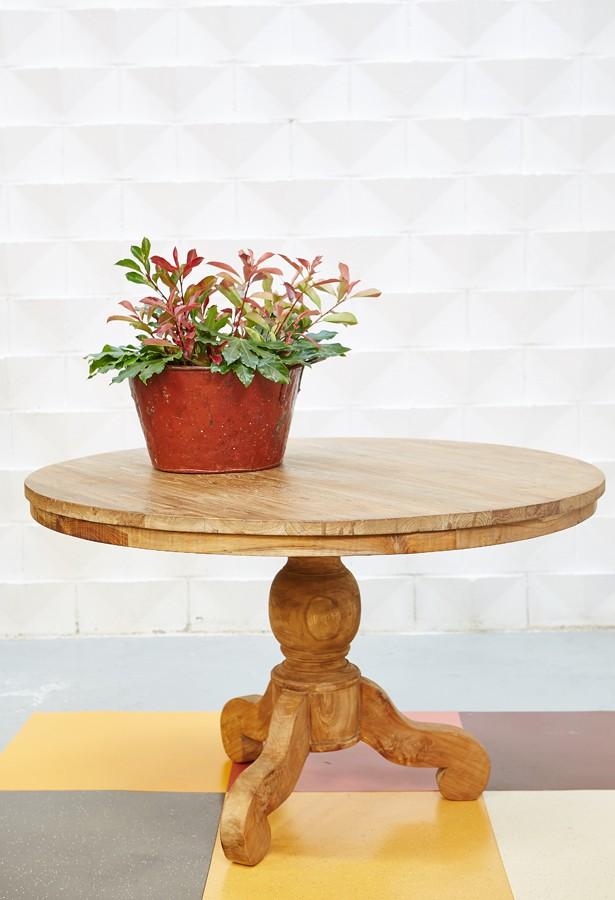 Mesa de teca antigua
