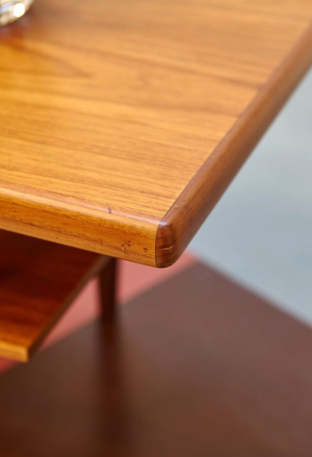 Mesa de centro  teca bandeja años 60 danesa nórdica vintage la victoriana