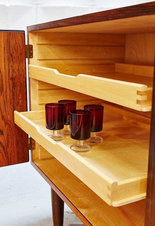 aparador-hundevad-carlojensen-sideboard-palosanto-vintage-lavictoriana