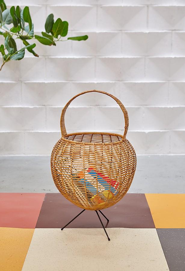 Costurero cesta años 60