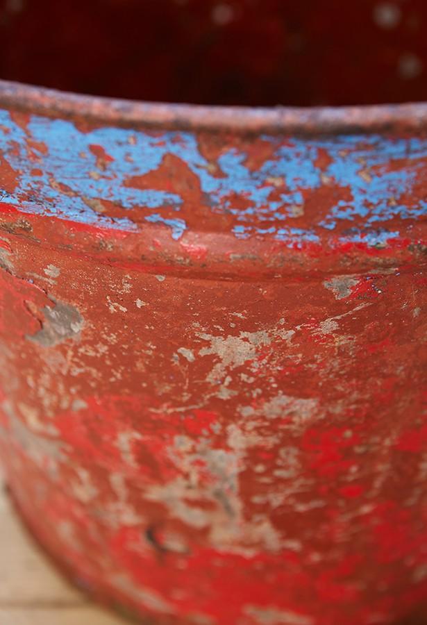 Cubo-vendimia-hierro barnizado-vintage-lavictoriana