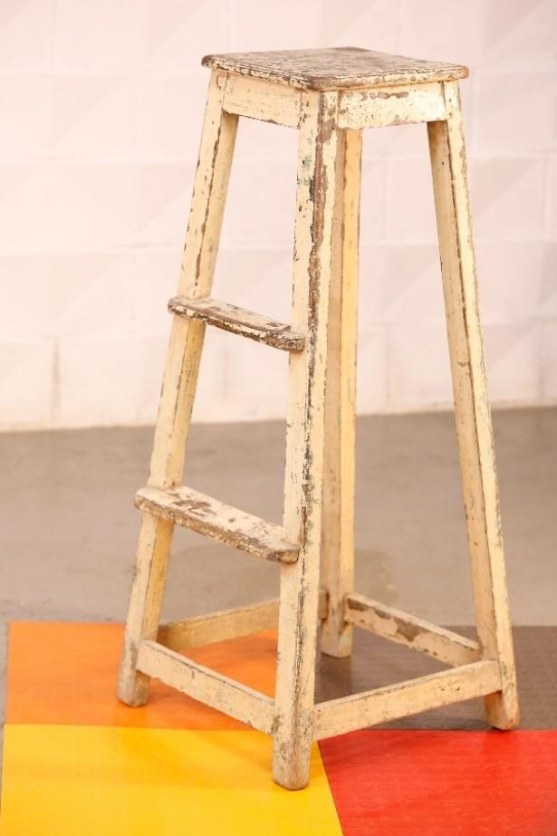Escalera asiento de colmado